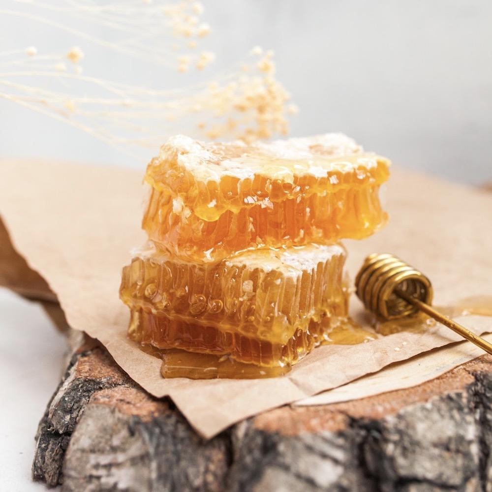 Мёд в сотах, кусочек 200 гр